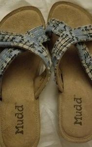 Never worn Mudd sandals size 9